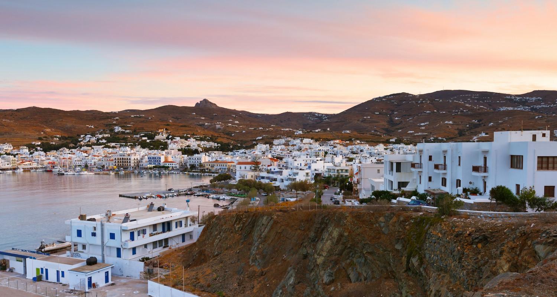 בית ים תיכוני באי Tinos בתכנון bobotis architects