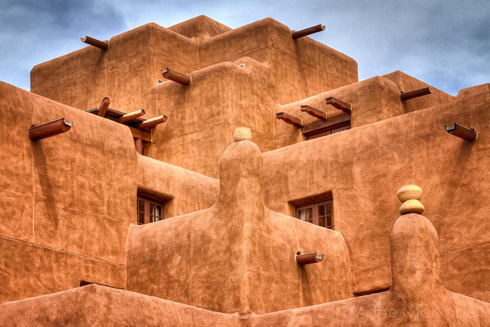 בתי Adobe בסגנון פואבלו מקסיקני