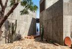 בית הבטון La Casa del Sapo משקיף אל האוקיינוס במקסיקו